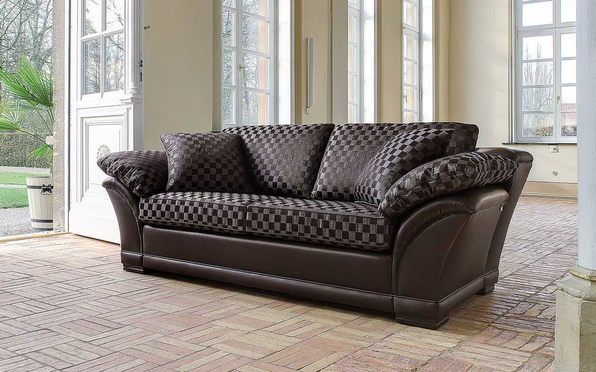 Elegant Upholstered Furniture   Fabric Or Leather
